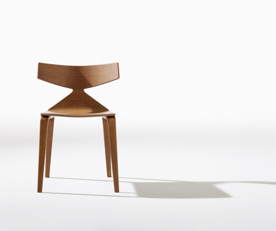 Lievore altherr molina x arper aya chair sleek design - Evolution de la chaise ...
