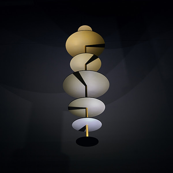 design-Marteen-de-Ceulaer-Sundial-Chandelier-for-Nilufar-Gallery-2