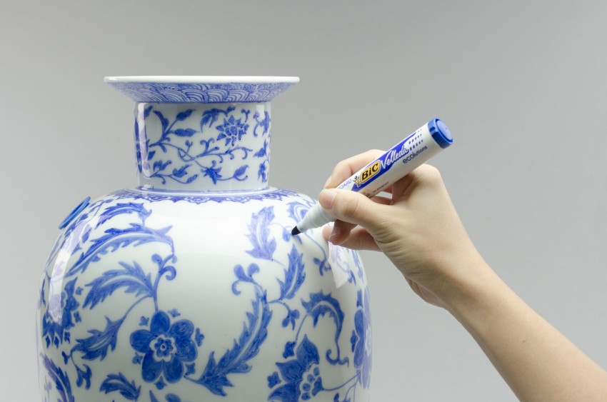 porcelain-blue-glazed-porcelain-vase-hans-tan-design-studio-sleekdesign